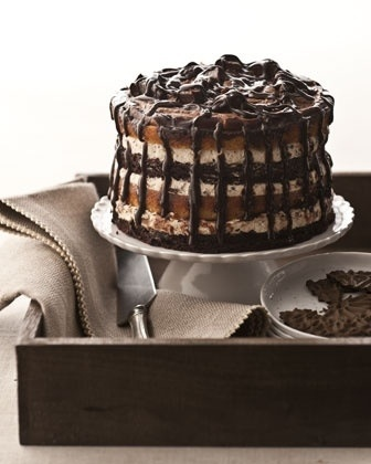 Moose Track Chocolate Ice Cream Cake 🎂 www.thesweetlife.com