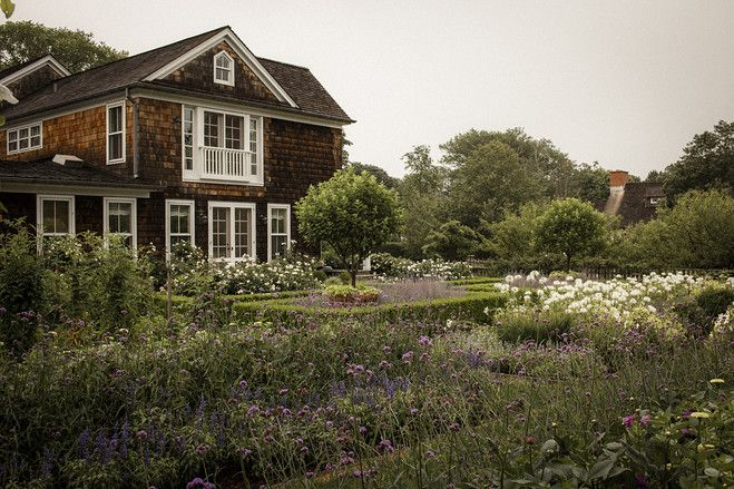 Ina 39 s endless garden party - Ina garten garden ...