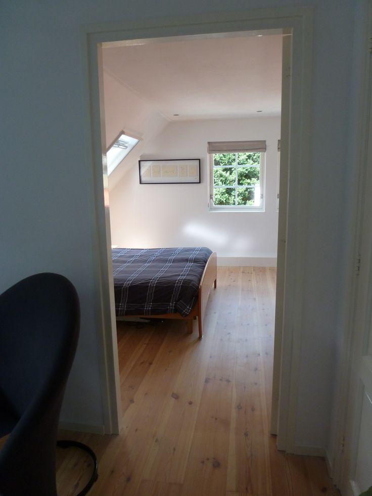 inkijkje slaapkamer vanaf overloop  Een complete verbouwing  Pinter ...