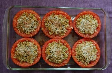 Provenal Tomatoes (Baked Tomatoes Stuffed with Cheese and Breadcrumbs)