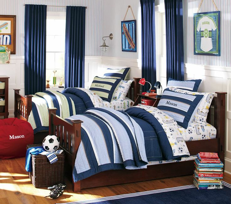Boys bedroom football theme soccer dream home for Boy football bedroom ideas