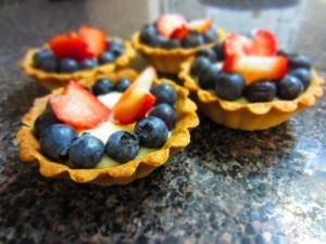 Blueberry Strawberry Mini Fruit Tart   Desserts   Pinterest
