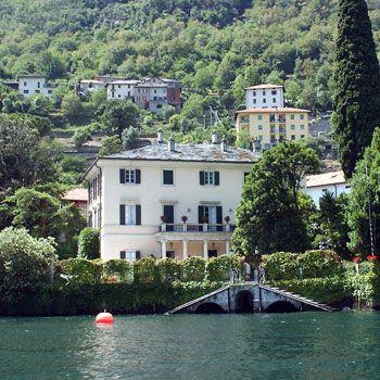 Pin by sandra squeglia on beautiful lake scenes pinterest for Lake house in italian
