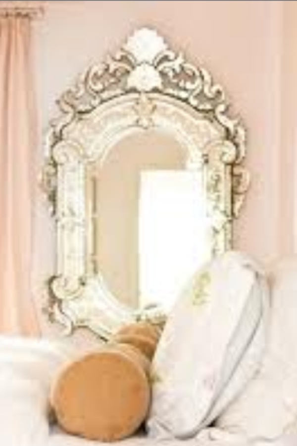 Cute elegant mirror mirrors pinterest for Elegant mirrors