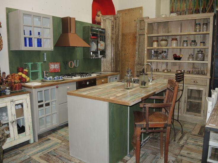 cucine shabby chic arredare cucina : Cucina con legni di recupero kitchen Pinterest