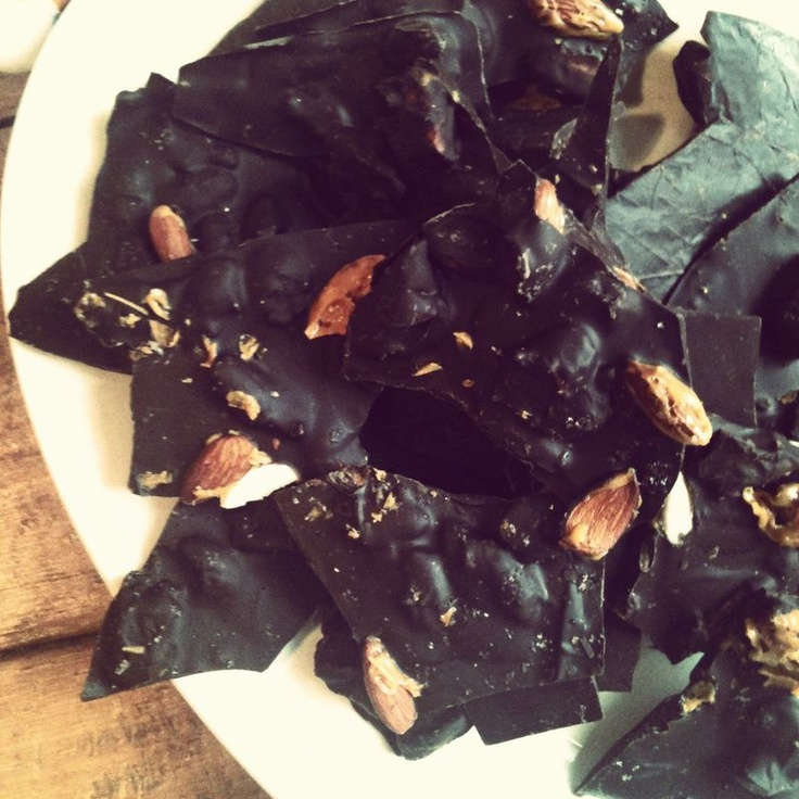 chocolate almond bark with sea salt : the cooks atelier
