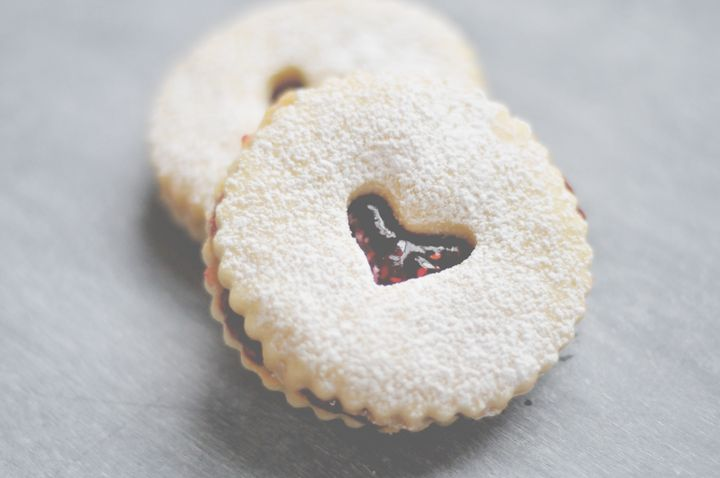 Valentine's Day linzer cookies | a daily something