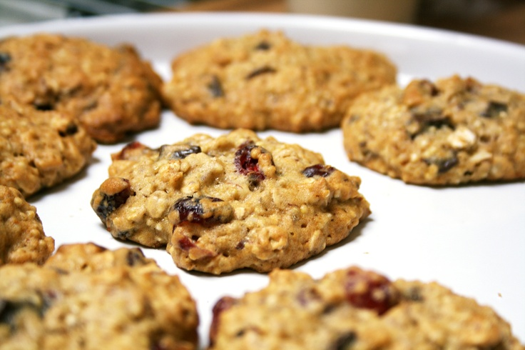 ... -Cranberry Quinoa Cookies (w/honey, brown sugar, oats, almonds