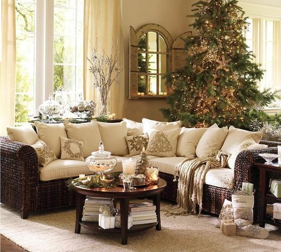 Cozy Family Room Love The Mirror