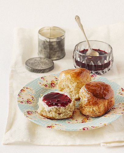 Maple Syrup Glazed Scones by raspberri cupcakes, via Flickr