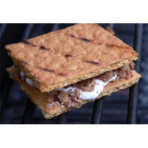 Chocolate Toffee Fluff S'Mores