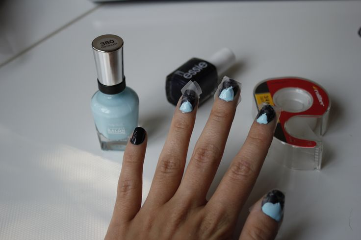 DIY Traingle detailed nails for fall