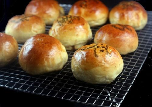 Baked BBQ Pork Buns (Char Siu Bao) | Recipes to Try | Pinterest