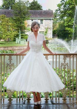 Pin by Irish Wedding Diary on Traditional Wedding Dresses | Pinterest