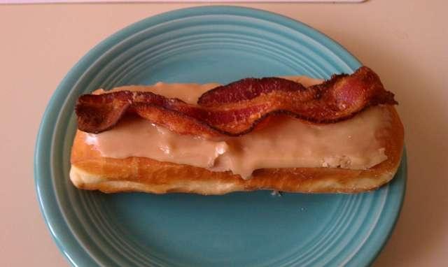 Maple Bacon long john? yes please! | food | Pinterest