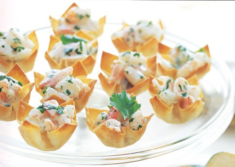 Mango-Curry Shrimp Salad in Wonton Cups | food | Pinterest