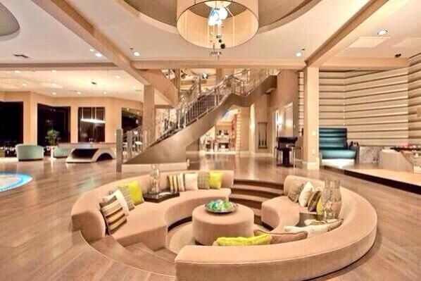 Inside A Beautiful Mansion Dream House Pinterest