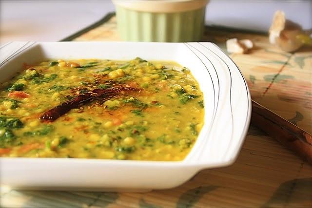 Lahsuni Daal Palak Recipe | Recipes--Mains *vegetarian entrees* | Pin ...