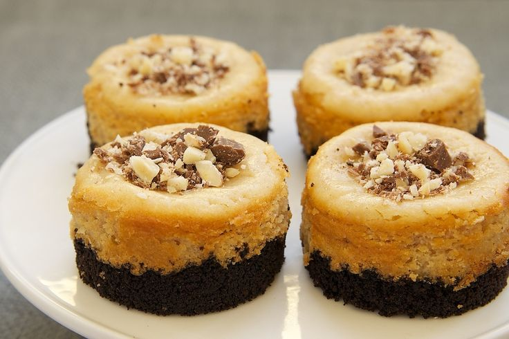 Peanut Butter Mini Cheesecakes with Chocolate Cookie Crust | Bake or ...