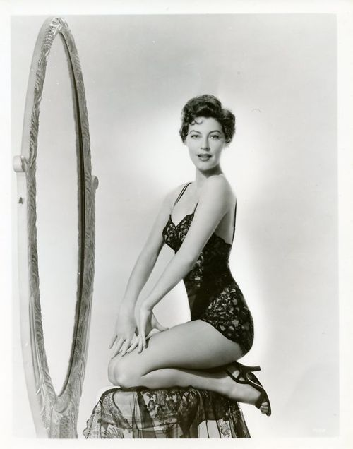 Ava Gardner. Pin-up!