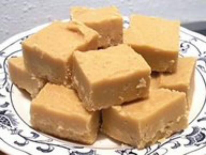 Easy peanut butter fudge | Yummy Recipes | Pinterest