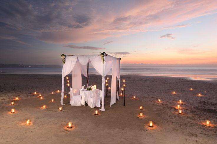 romantic dinner on the beach picnics for two pinterest