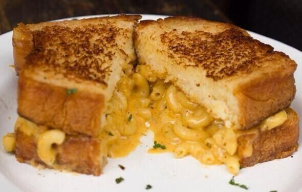 Mac and cheese sandwich | Delicious Food | Pinterest