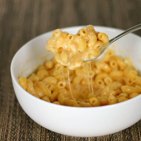 Creamy Easy Mac and Cheese: use cottage cheese and sour cream with the ...