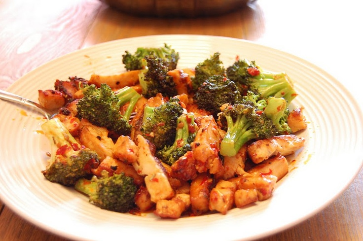 Spicy Broccoli Chicken Stir-Fry | low carb: main dish | Pinterest