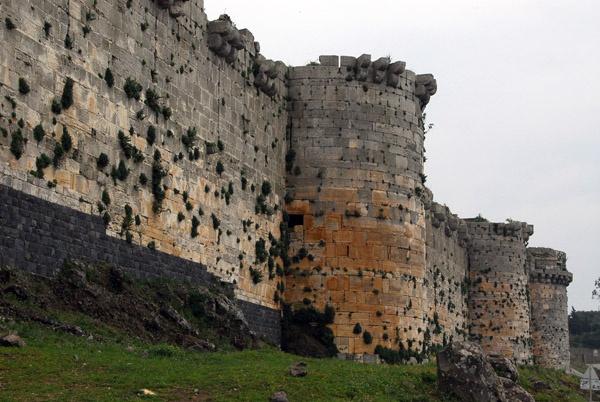 Qalaat al-Hosn --- Crusader Castle syria  Crusades ...