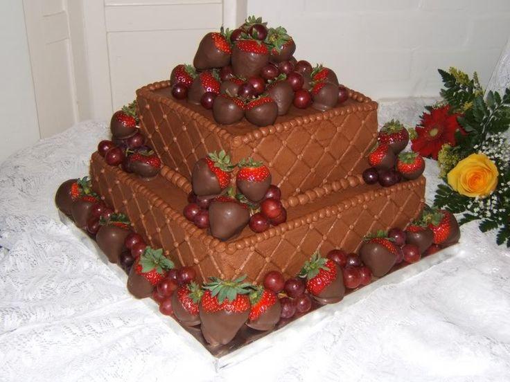 Chocolate covered strawberry cake. | Yummmmmmmy Chocolate Covered Str ...