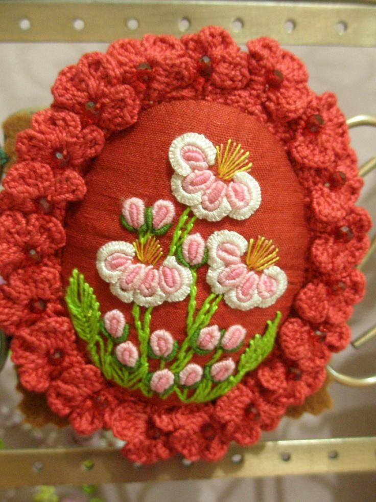Брошь ...  БРАЗИЛЬСКИЙ С ПОЛНОЙ Цветочные вязание крючком окантовкой по LIA, Джакарте, Индонезия