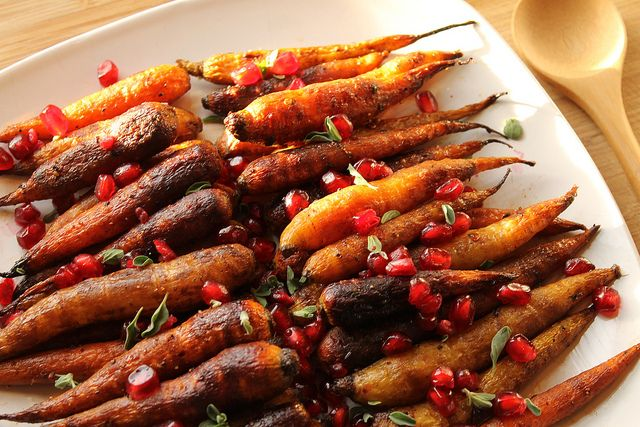 Chipotle roasted carrots with pomegranate seeds - perfect mix of spicy ... Pomegranates
