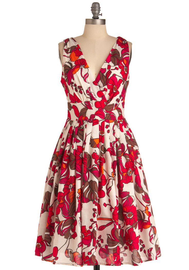 Glamour Power to You Dress in Flower Box | Mod Retro Vintage Dresses | ModCloth.com