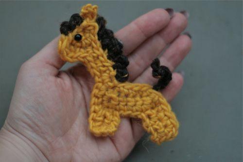 crochet giraffe applique #pattern Crochet Appliques Pinterest