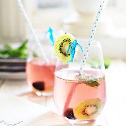 Kiwi Blackberry Summer Sangria by yummymummy: Refreshing and delicious. #Sangria #Kiwi #yummymummy
