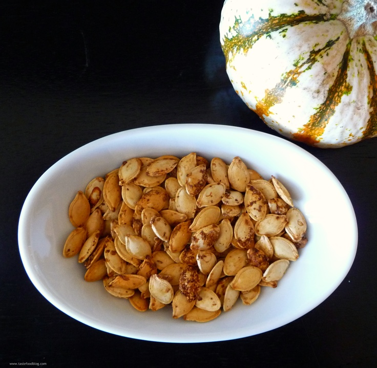 Spice-Roasted Pumpkin Seeds | THANKSGIVING | Pinterest