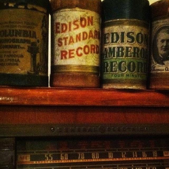 My Vintage Radio .... And Edison records