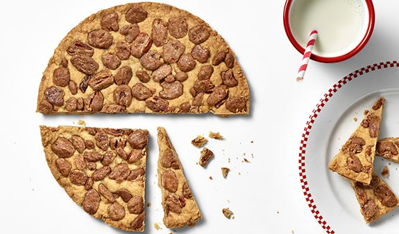 ... Thanksgiving dessert? Never fear, cinnamon pecan shortbread is here