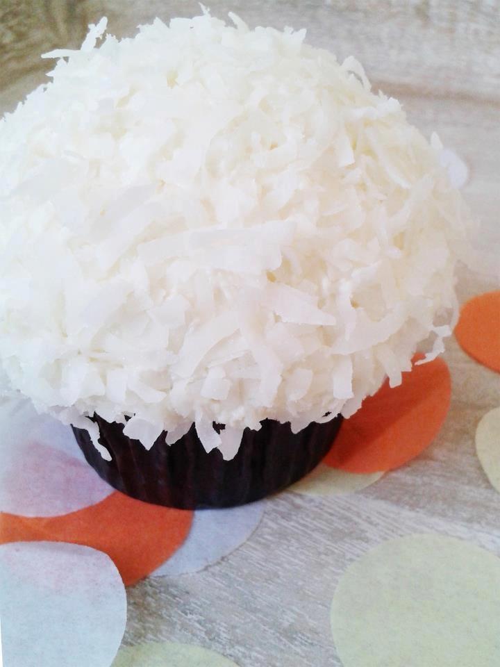 Coconut Snowball Cupcake | CUPCAKES = HAPPY FOOD..! 2 | Pinterest