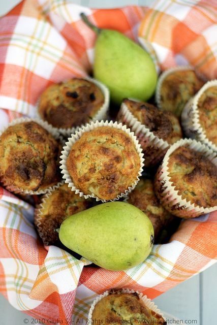 Pear & Ginger Muffins | Ricette • Recipes • Recetas | Pinterest