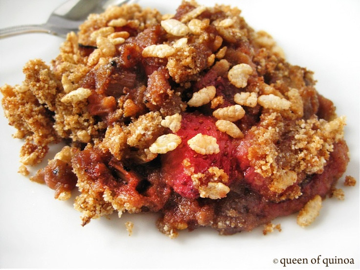 Balsamic Strawberry and Rhubarb Crisp | Sweet Noms | Pinterest