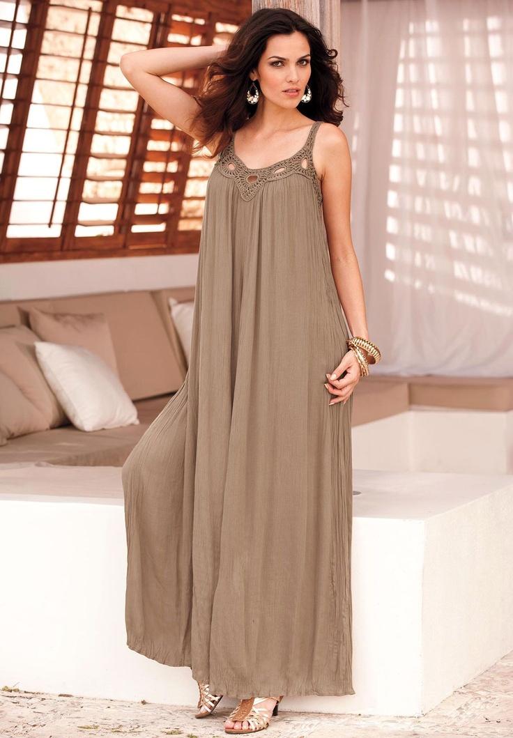plus length attire for mom of the bride