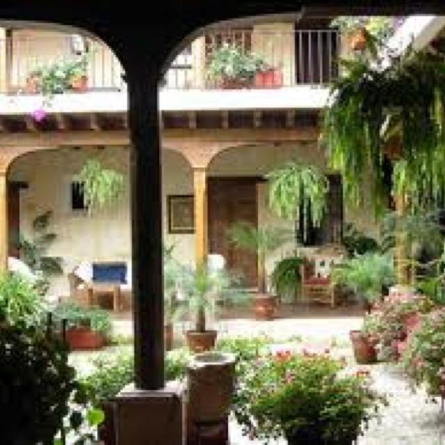 Interior Courtyard Garden Home: Spanish Style Courtyard