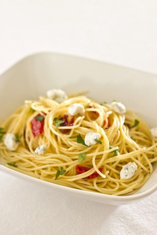 Angel Hair Pasta with Sun Dried Tomatoes and Herbed Goat Cheese. Looks ...