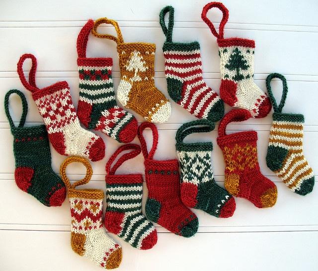 Mini Christmas Stocking Knitting Pattern Easy : Knitted Mini Christmas Stockings Crochet Crazy Pinterest
