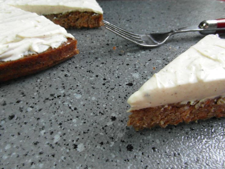Flourless Carrot Cake with Nutmeg Cream Cheese Frosting (looks simple!)