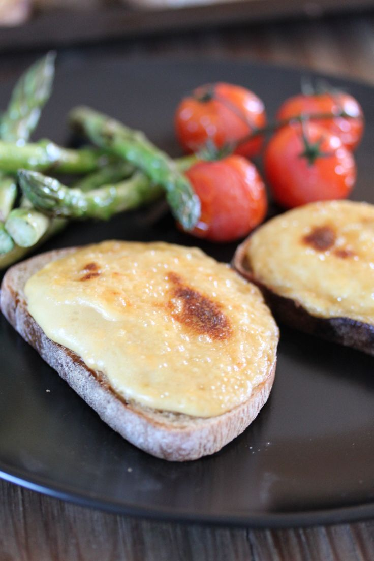 Welsh Rarebit with Grilled Asparagus and Roasted Tomatoes #Crush32 # ...