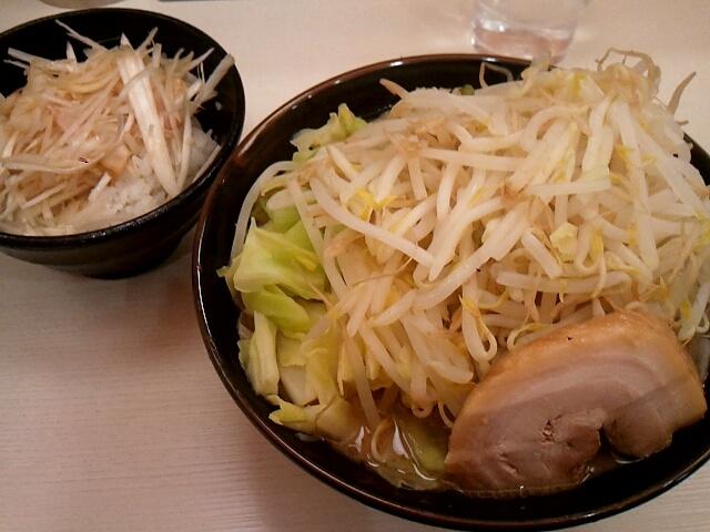 ゴル麺@横浜西口  豪麺野菜増し