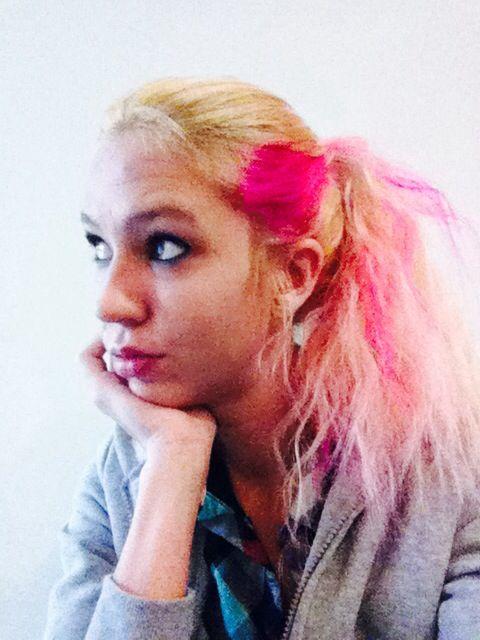 Pink in blond hair! | Pink in blonde/pink highlights | Pinterest